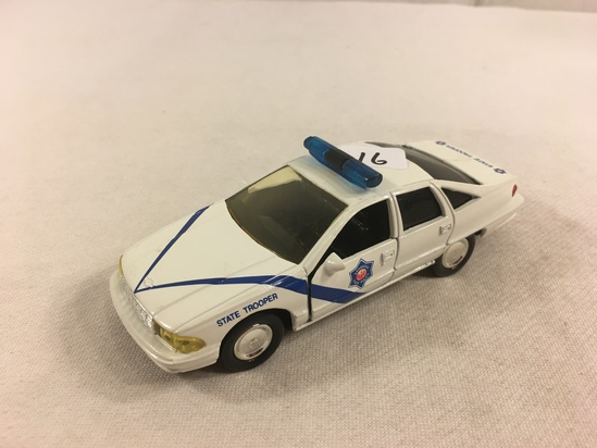 Collector Loose 1993 Road Champs Chevrolet Caprice 1/43 Scale DieCast Metal Car State Trooper
