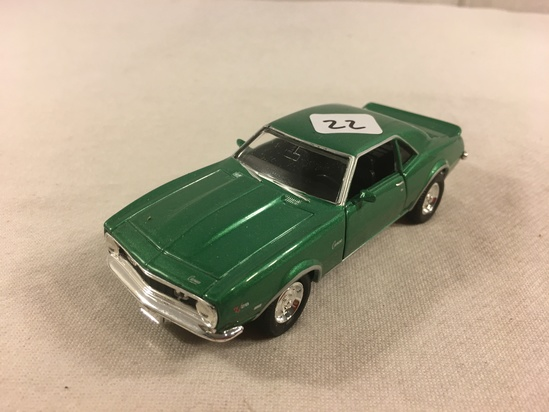 Collector Loose Welly No.8324 1968 Chevrolet Camaro Z28 Scale 1/43 DieCast Green Color