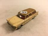 Collector Loose Vintage Corgi Toys Plymouth Sport Suburban Station Wagon 4.1/8