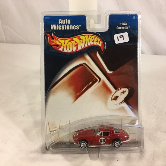 Collector NIP Hot Wheels Auto Milestones 1963 Corvette No. 55927 Scale 1/64 Diecast Car