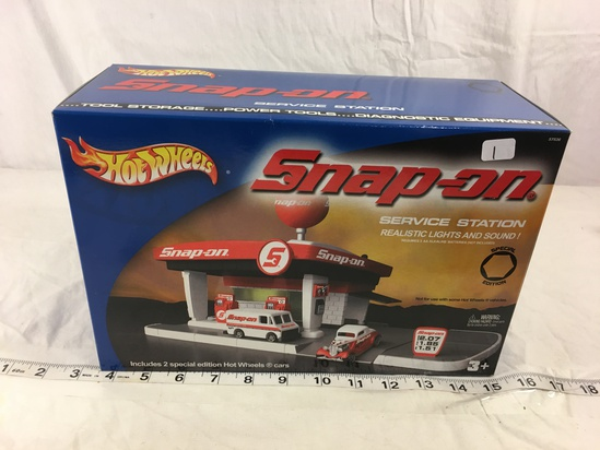 NIP Collector Hot wheels Snap-on Service Station Realistic Lights and Sound Box Sz:12x8""