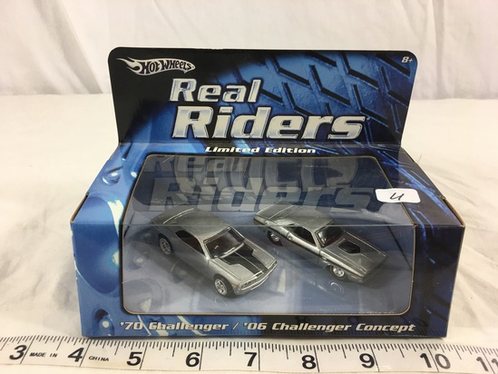 NIP Collector Hot wheels Real Riders Limied Edition '70 Chellenger /06 Challenger Concept 1/64 Scale
