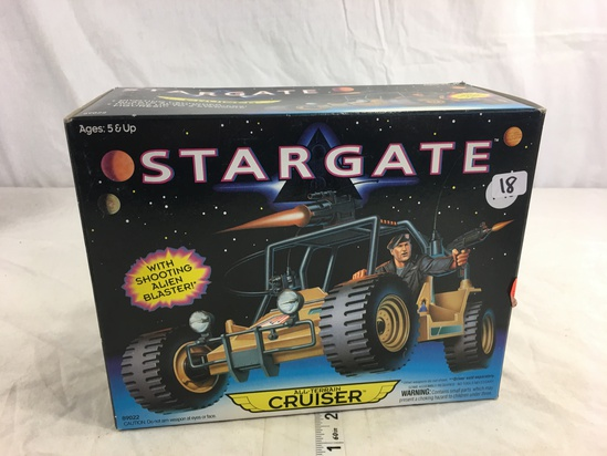 Collector Loose in Box Stargate with Shooting Alien Blaster Cruiser