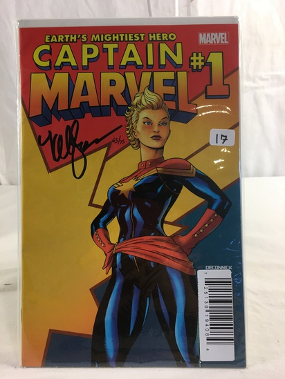Collector Marvel  Comics Captain Marvel; #1 Comic Book hand Signed Autographed W/COA