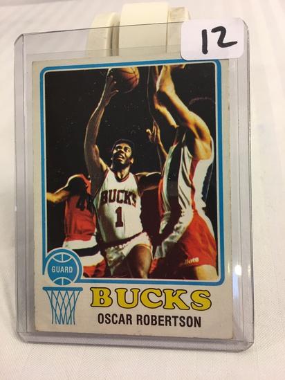 Collector Vintage 1973 Topps Basketball # 70 Oscar Robertson Bucks  NBA Basketball Sport Card