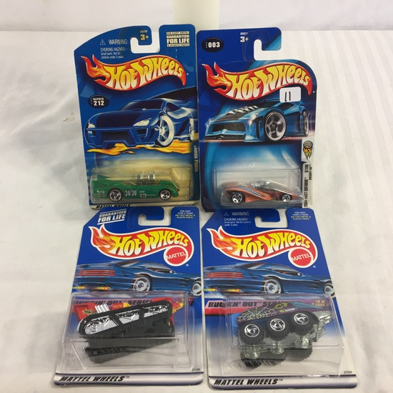 Lot of 4 Pieces Collector New in Package Hot wheels 1/64 Scale Die-cast Metal & Plastic Parts