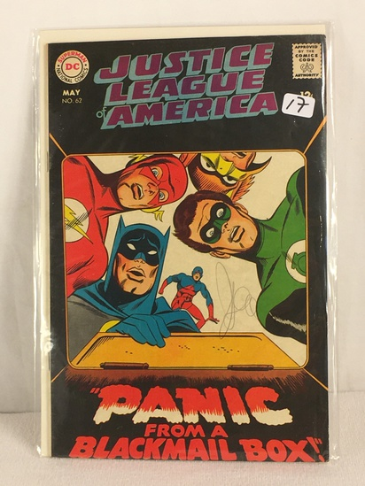 Collector Vintage DC, Comics Justice League Of America Panic From A Blackmail Box Comic Book #62