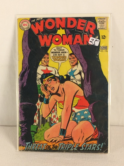 Collector Vintage DC, Comics The New Wonder Woman Threat of The Triple Stars Comic Book #176