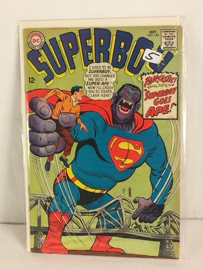 Collector Vintage DC, Comics Superboy Fantastic Superboy Goes APE Comic Book NO.142
