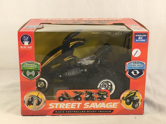 "Collector New Street Savage Radio Controlled Stunt vehicle  Blue Hat Box Sz: 8x12""Box"
