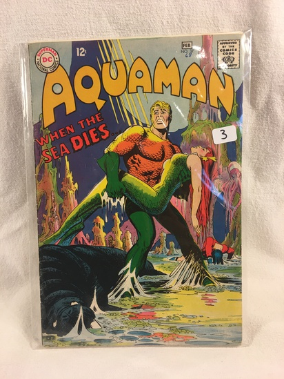 Collector Vintage DC Comics Aquaman Comic Book No.37