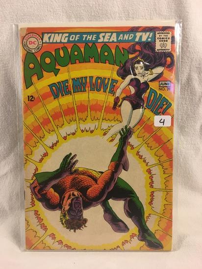 Collector Vintage DC Comics Aquaman Comic Book No.39