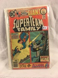 Collector Vintage DC Comics  Super-Team Giant Family Comic Book No.5 Wet damage