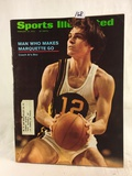Collector Vintage 1972 Sports Illustrated Man Who Makes Marquette Go Magazine