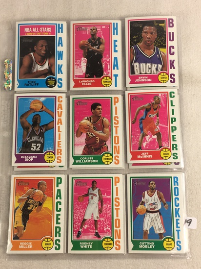 COLLECTOR MIXED VINTAGE 1960'S & 70'S SPORT CARDS
