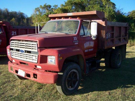 1989 FORD 600 DUMP TRUCK, SINGLE AXLE, GAS ENGINE, 5 SPEED