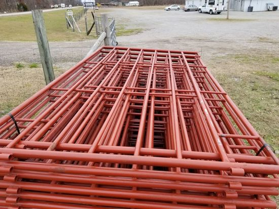 RED HEAVY DUTY 5 1/2' X 10' PANELS (5)
