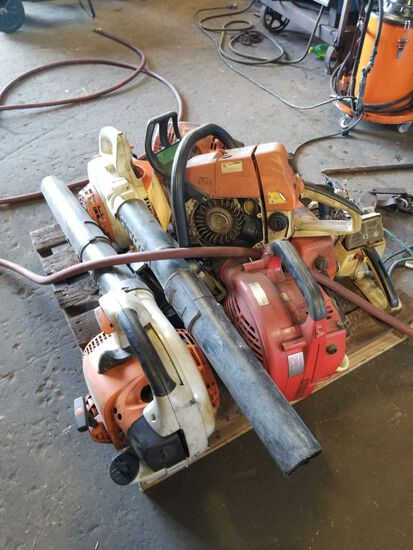 PALLET OF LEAFBLOWERS AND CHAINSAWS, PARTS