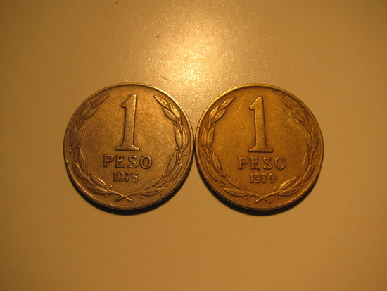 Foreign Coins: 1975 & 1979 Chile 1 Pesos