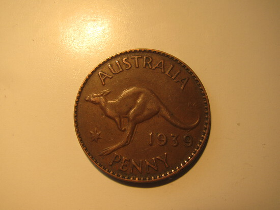 Foreign Coins:  WWII 1939 Australia 1 Penny