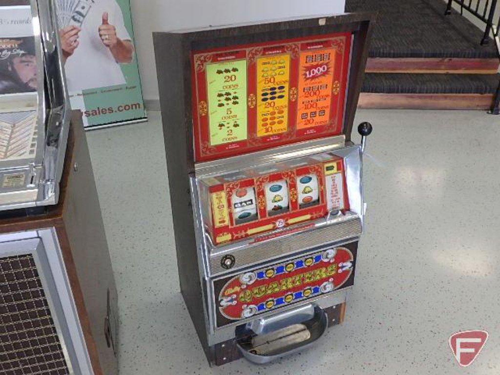 Bally Manufacturing Corp. Chicago, USA, 3 quarter slot machine, H58514714, manufactured 4/22/77,