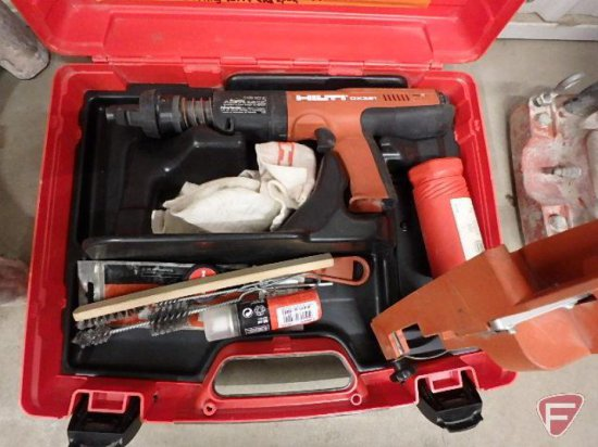 Hilti DX351 Powder- actuated tool kit, extension pole