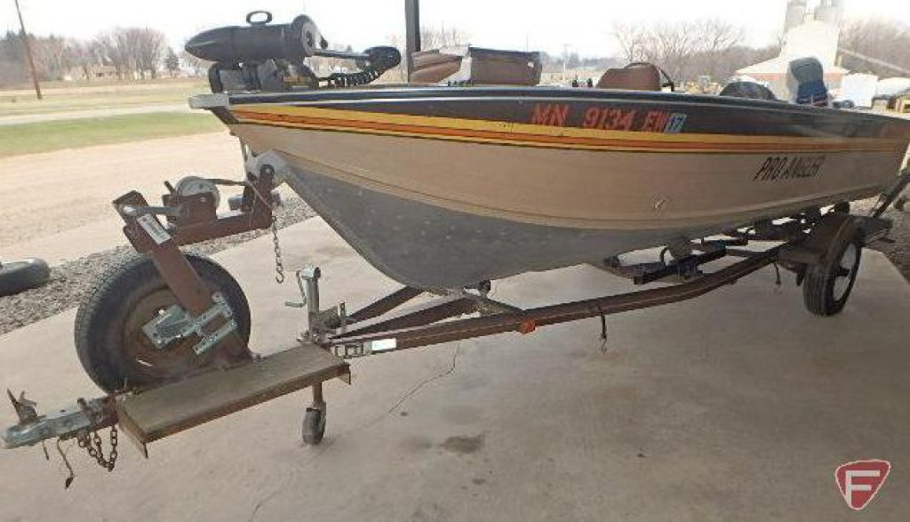 1985 Smoker Craft Pro Angler boat with 1985 Spartan Boat trailer