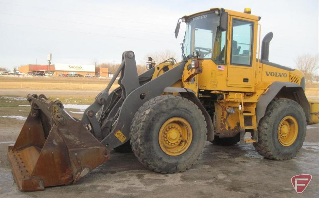 2006 Volvo L90E wheel loader, with clam bucket, SN: L90EV67685, only 2,495 hours