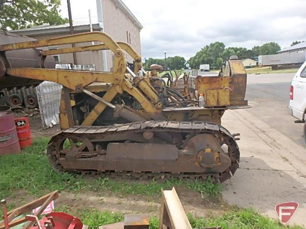 Lot: Caterpillar Traxcavator track loader with a model HT4