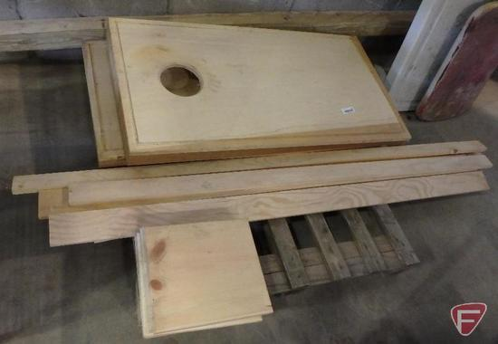 Wood corn hole/bean bag toss game and wood