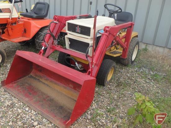 IH/International Harvester Cub Cadet 1250 hydro static riding garden tractor with