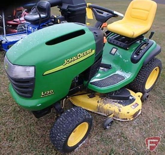John Deere L120 hydro-static lawn tractor with 48