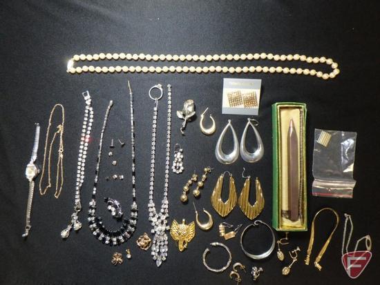 Ladies 14K Yellow Gold herringbone bracelet