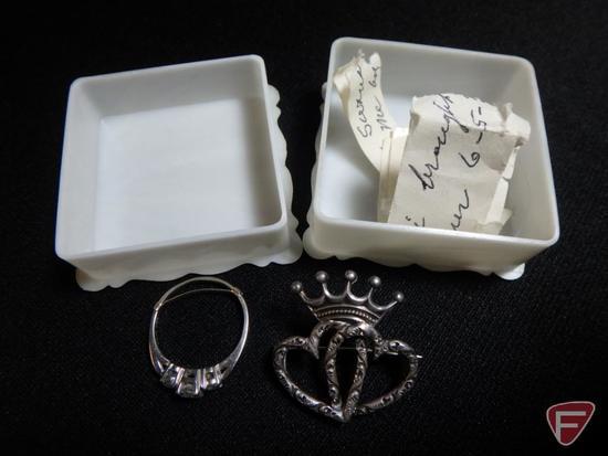 Ladies 18K White Gold 3-stone Diamond ring, center stone is .35 PT H I-1