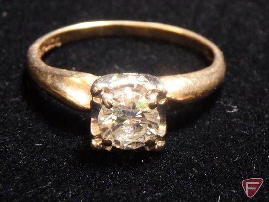 Ladies 14K Yellow Gold Diamond wedding ring, center stone Round Diamond estimated .50 CT TW H I-1