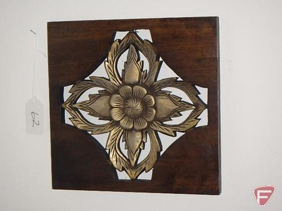 (3) metal wall hangings and wood wall art