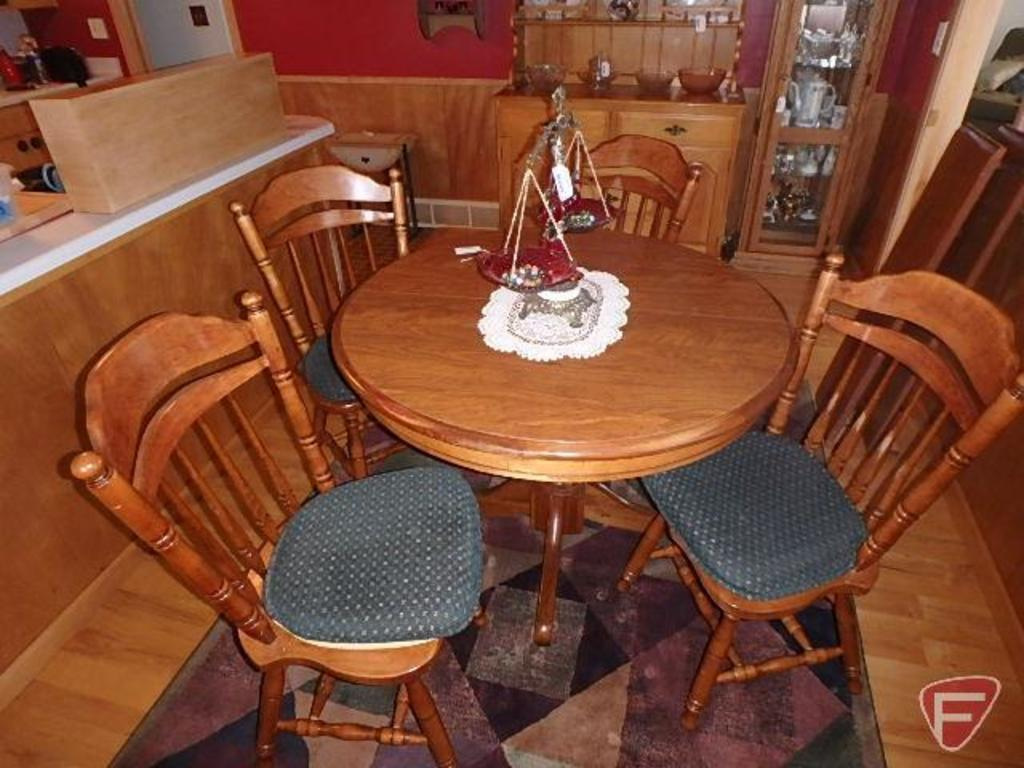 Sidex round table with (4) matching chairs, (2) leaves