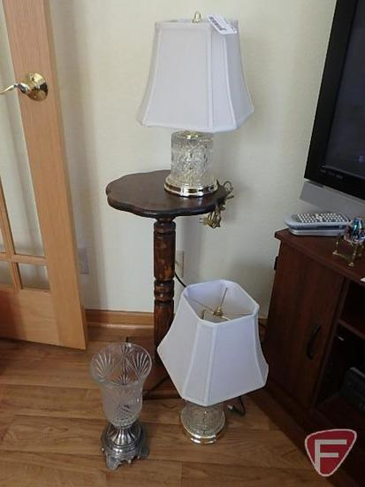 3 Lamps and plant stand