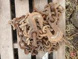 3/8 LOG CHAIN WITH HOOKS