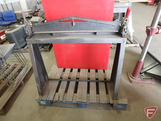 "Bendito model 1840 hand brake, manual brake, no gauge maximum listed, 36"" working area"