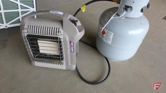 Dyna-Glo space heater model RMC-8000PGH with 20lb propane tank
