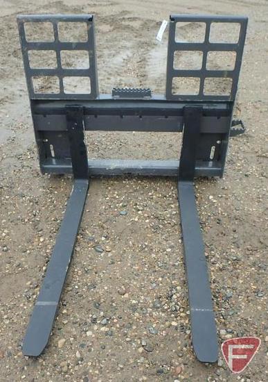 NEW Golden Swallow universal quick tach mount skid steer/skid loader pallet forks, step through