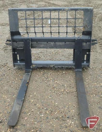 "NEW Golden Swallow universal quick tach mount skid steer/skid loader pallet forks and frame, 4""x48"""