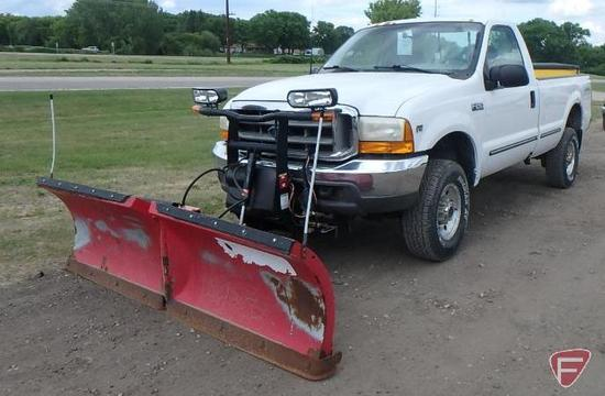 1999 Ford F-250 Pickup Truck with Boss 8' front plow and SnowEx tailgate sander