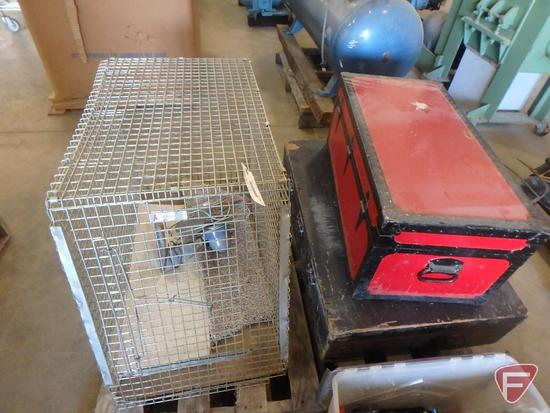 Animal crate and Silex-Handy Breeze electric fan