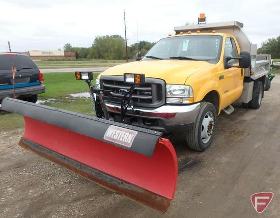 2003 Ford F-450 Super Duty Pickup Truck with Western Pro Plow