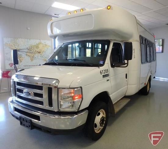 2013 Ford Econoline E-350 Super Duty Supreme Bus