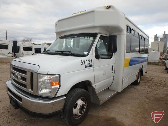 2014 Ford E-450 Super Duty Glaval Bus - NOT DRIVABLE