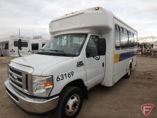 2013 Ford E-450 Super Duty Glaval Bus