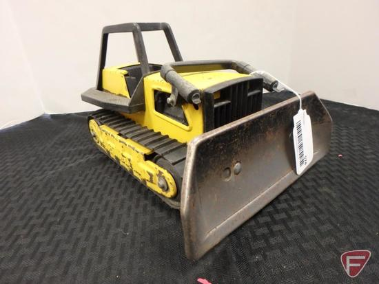 Tonka dozer with broken lift cylinder and broken roll cage